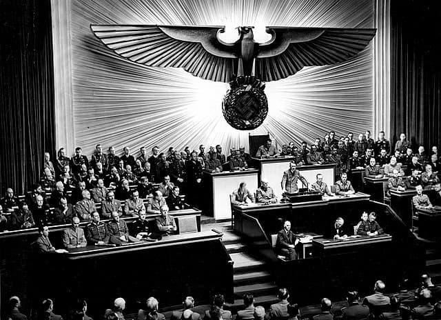 Discurso Adolf Hitler
